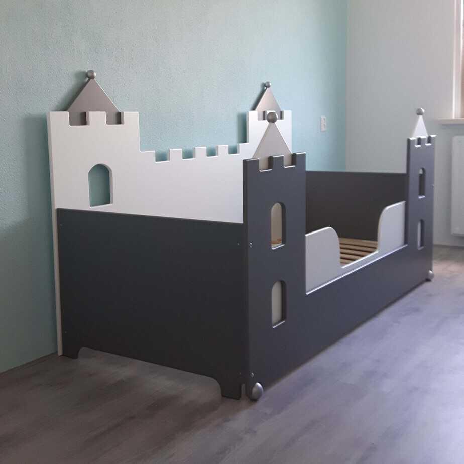 #1 jongensbed kasteel 90x200 cm wit_antraciet