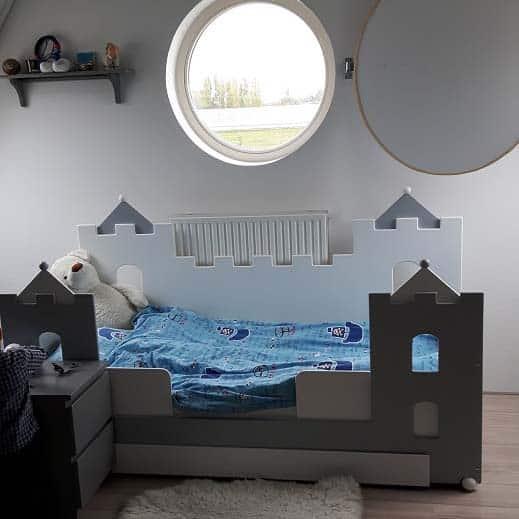 #1 jongensbed kasteel 90x200 grijs
