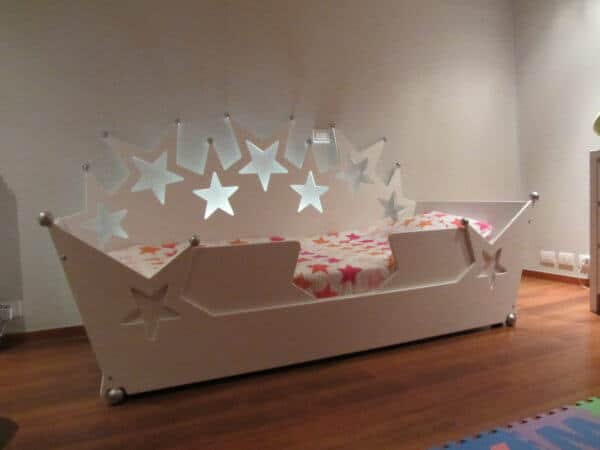 kinderbed sterrenbed 90x200 cm wit zonder lade, met uitrolbeveiliging, met wit ledstrip