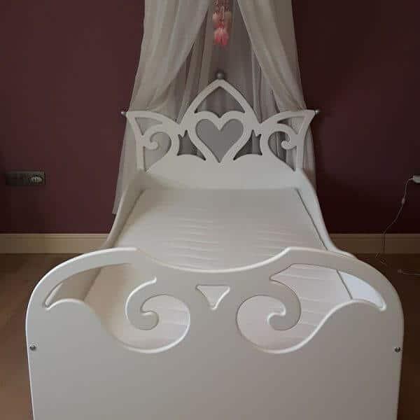 Prinsessenbed 90x200 cm wit met zilver hartje, met klamboe, met matras