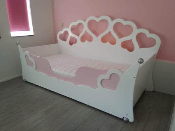 kinderbed meisjesbed 90x200 cm hartjesbed bank wit met roze