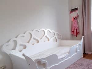 meisjesbed ZOE 90x200 cm hartjesbedbank wit met zilver zonder lade