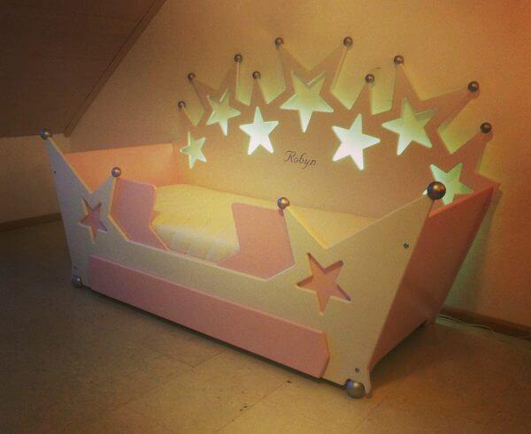 peuterbed sterrenbed 70x150 cm wit met roze, kinderbedden kinderkamers meisjesbed