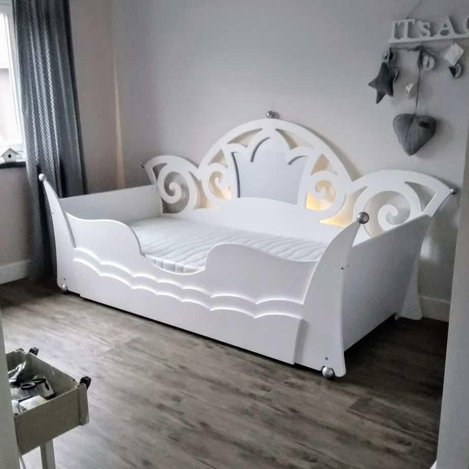 Prinsessenbed 90x200 cm in prinsessenkamer, wit