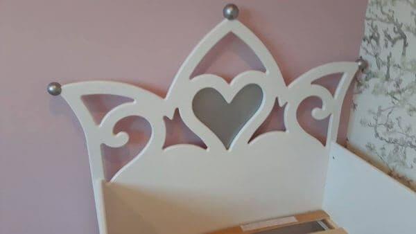 Prinsessenbed 90x200 cm wit met zilver hartjes meisjesbed voor een mooie kinderkamer