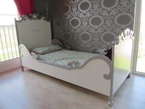 #1 kinderbed barok 90x200 cm wit met zilveren decoratie