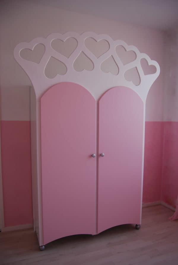 #9 Kinderkast voor de meisjeskamer