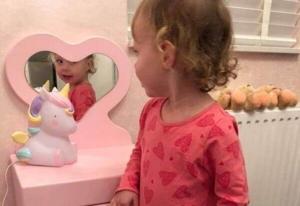 hartjesspiegel voor de kinderkamer