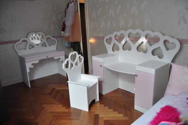 Kinderstoeltje zithoogte 30 cm wit voor de kinderkamer