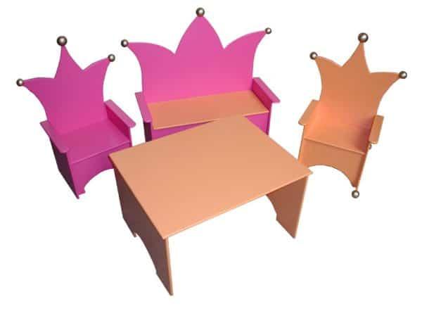 #2 Kinderstoeltje roze met kindertafel