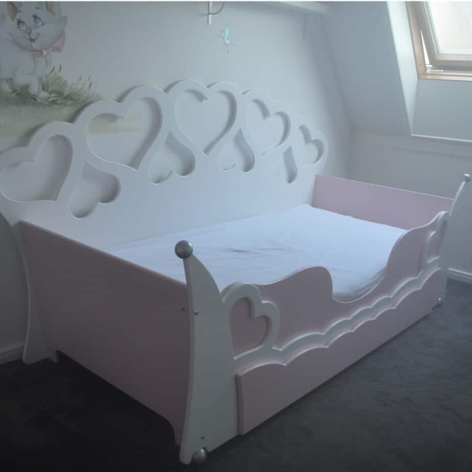 Kinderbedje voor meisjes wit met roze peuterbed