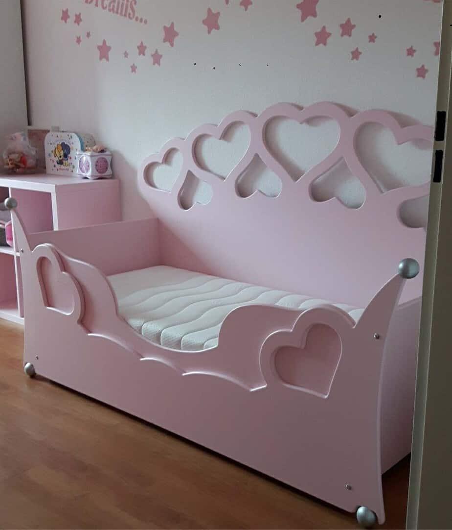 Peuterbed voor meisjes lief en schattig roze