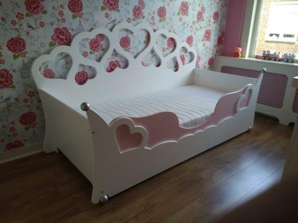 Meisjesbed 90x200 cm wit met roze kinderbed voor de kinderkamer